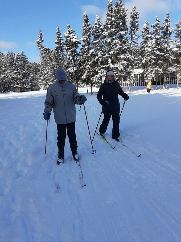 David Holmes and Bev Mapes skiing on the nursery trail